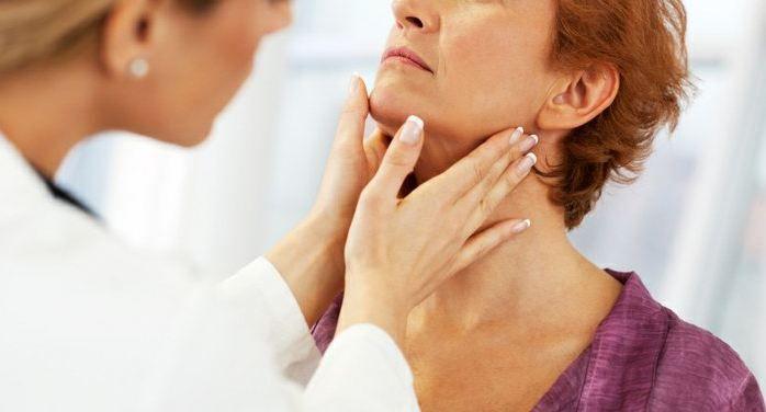 Amigdalite pode ser tratada com medicamentos e também com cirurgia