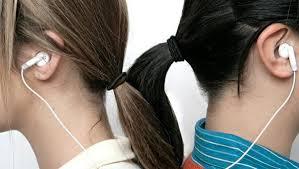 Fones de ouvido: uso inadequado pode causar perda auditiva